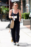 Hilary Duff out in Beverly Hills - Pickture