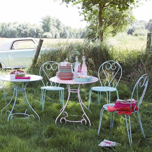 table de jardin ronde verte ou rose maisons du monde. Black Bedroom Furniture Sets. Home Design Ideas