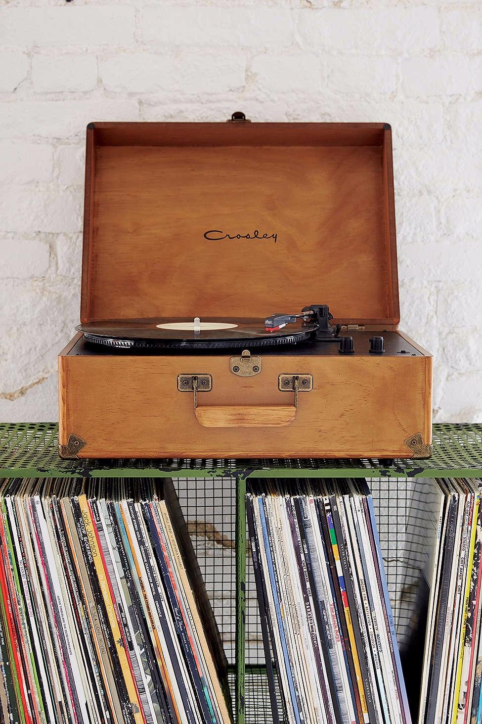 platine vinyle en bois crosley pickture. Black Bedroom Furniture Sets. Home Design Ideas