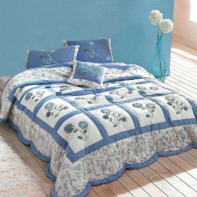 couvre lit matelass fleurs appliqu es elz la redoute pickture. Black Bedroom Furniture Sets. Home Design Ideas