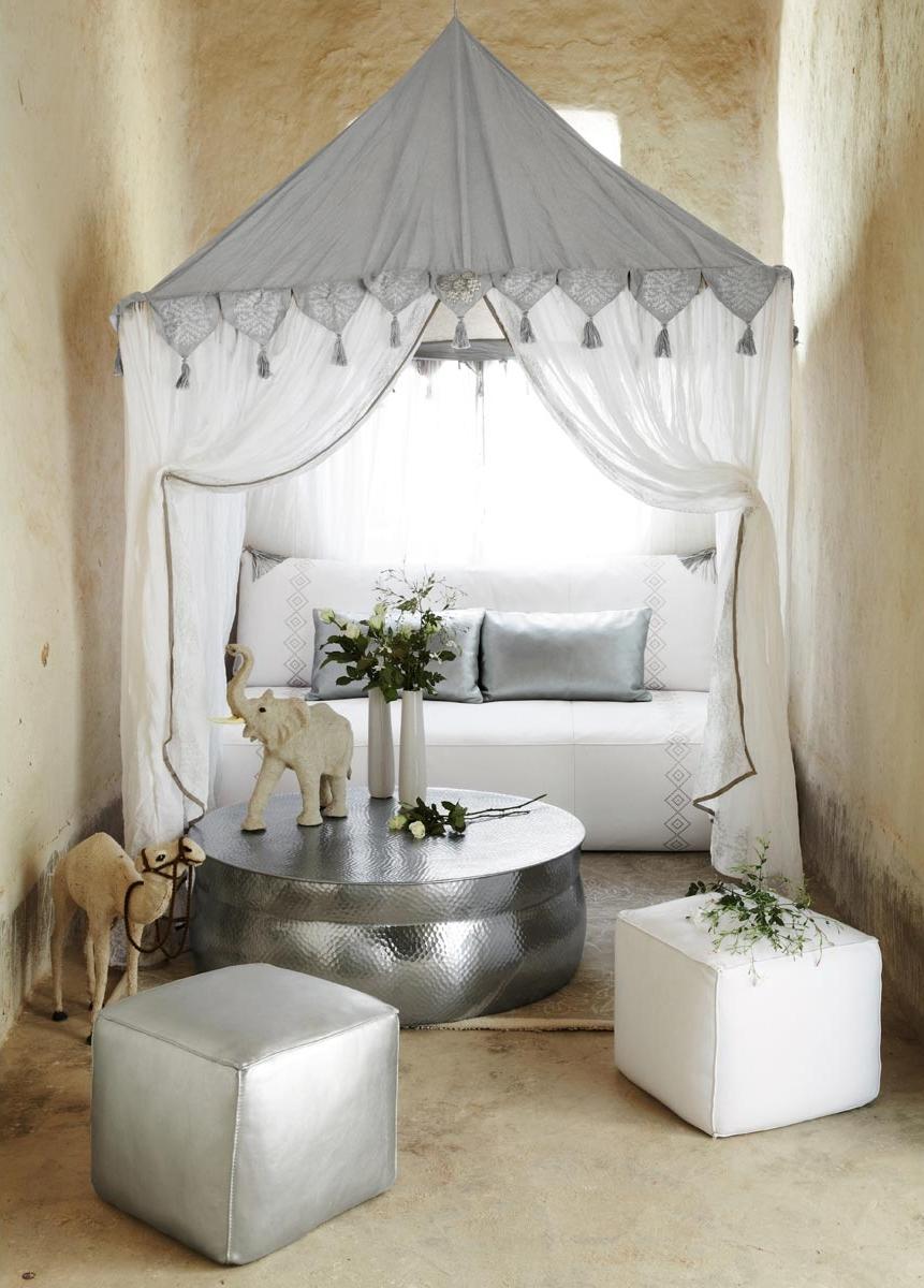 Tente orientale blanche goa maisons du monde pickture for Decoration maison orientale